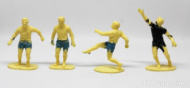 Juguetes Antiguos: AIRFIX FOOTBALLERS 1/32 SCALE 29 FIGURAS DE FUTBOLISTAS PLASTICO Año 1973 - Foto 9 - 245583735