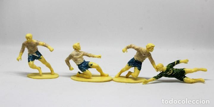 Juguetes Antiguos: AIRFIX FOOTBALLERS 1/32 SCALE 29 FIGURAS DE FUTBOLISTAS PLASTICO Año 1973 - Foto 11 - 245583735