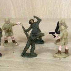 Juguetes Antiguos: LOTE DE 18 SOLDADOS PLASTICO WALTER-MERTEN. GERMANY. EN SU CAJA. Lote 254505465