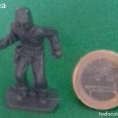 Juguetes Antiguos: FIGURAS Y SOLDADITOS DE 3 CTMS - 13463. Lote 255482375