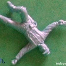 Juguetes Antiguos: FIGURAS Y SOLDADITOS DE 6 CTMS- 13655. Lote 263104735