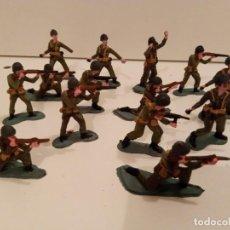 Juguetes Antiguos: SOLDADOS - 14 MARINES DE 5,5 - 6 CM CON DAÑOS. Lote 285287478