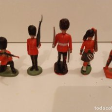 Juguetes Antiguos: SOLDADOS - 5 FIGURAS DE BRITÁNICOS. Lote 285295103