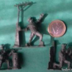 Juguetes Antiguos: FIGURAS Y SOLDADITOS DE DIFERENTES CTMS -15944. Lote 293873168