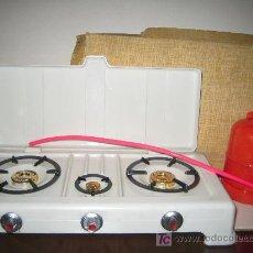 Juguetes antiguos: PSE - ANTIGUA COCINA DE BUTANO EN PLASTICO. Lote 21239322