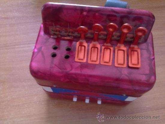 Juguetes antiguos: Instrumento musica Acordeon de Juguete años 50-60 ,ver descrpcion . - Foto 2 - 27935708
