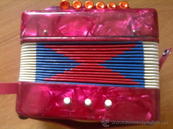 Juguetes antiguos: Instrumento musica Acordeon de Juguete años 50-60 ,ver descrpcion . - Foto 3 - 27935708