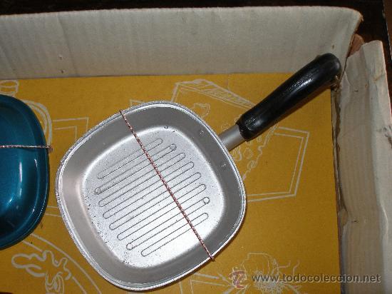 Juguetes antiguos: Menaje cocina en plástico metalizado PSE año 1965 , Sin uso - Foto 3 - 28623942