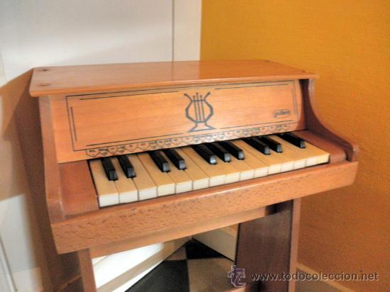 GUILLEM * ANTIGUO PIANO VERTICAL * MADERA (Juguetes - Marcas Clasicas - Otras Marcas)