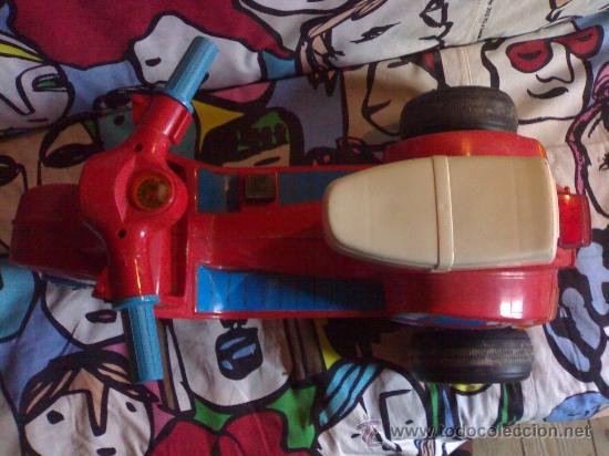 Juguetes antiguos: preciosa vespa scooter de feber roja funciona con 8 pilas gruesas años 70 80 de las primeras - Foto 7 - 146058426