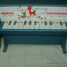 Juguetes antiguos: PIANO DE JUGUETES MEDITERRANEO. Lote 32957225