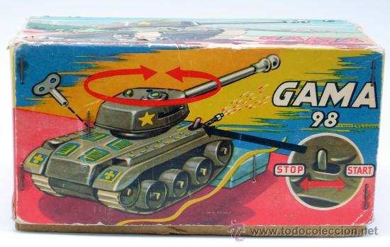 Juguetes antiguos: Tanque Gama 98 a cuerda lanza proyectiles en caja a cuerda funciona años 50 - Foto 2 - 35128070