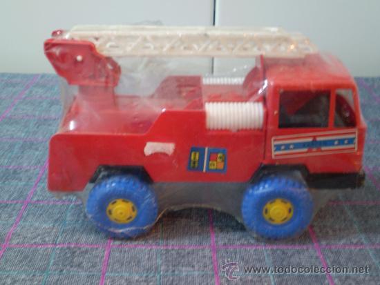 Juguetes antiguos: Camión de bomberos de juguete de los 80 de la marca Karpan. Nuevo. - Foto 2 - 35352321