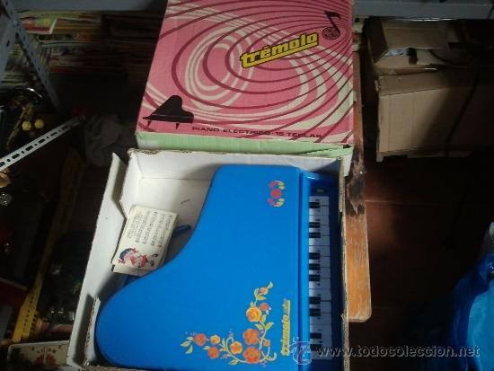 PIANO TREMOLO DE REIG EN CAJA (Juguetes - Marcas Clasicas - Otras Marcas)