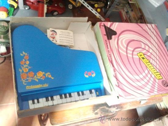 Juguetes antiguos: piano tremolo de reig en caja - Foto 2 - 38960567