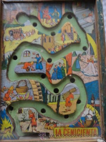 Juguetes antiguos: juego habilidad laberinto de la cenicienta años 50 marco madera y cristal - Foto 2 - 39686766