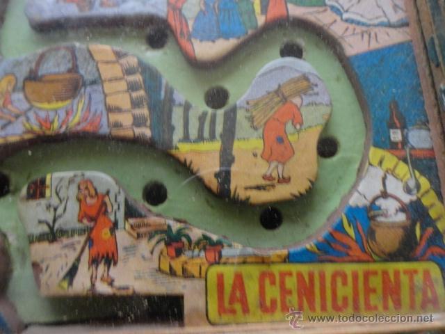 Juguetes antiguos: juego habilidad laberinto de la cenicienta años 50 marco madera y cristal - Foto 3 - 39686766