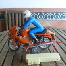 Juguetes antiguos: MOTO MOTOCICLETA CABLEDIRIGIDO BMW DE CLIM DECORACION CINZANO. Lote 41517467