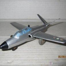 Juguetes antiguos - Antiguo Avión MAGISTER a Cuerda y Direccionable de la Serie Micro Jet 1031 de SCHUCO - Año 1960s. - 44885724