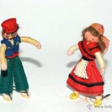 Juguetes antiguos: PAREJA DE MUÑECOS DE TRAPO Y ALAMBRE. Lote 45295412