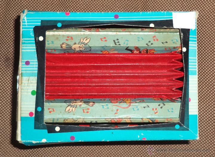 Juguetes antiguos: Acordeón de juguete,en caja,Precioso,Juguetes Mediterráneo,la caja es espectacular,años 50 - Foto 7 - 46644184