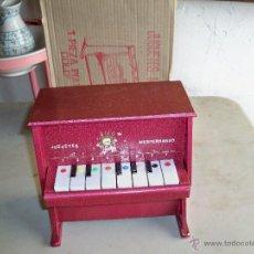 Juguetes antiguos: ANTIGUO PIANO DE JUGUETES MEDITERRANEO,MADE IN SPAIN, DE LOS AÑOS 70. Lote 47895286