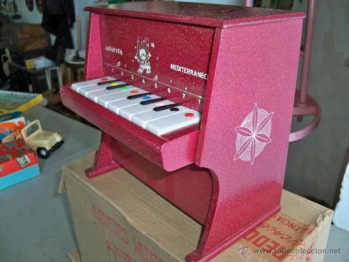 Juguetes antiguos: ANTIGUO PIANO DE JUGUETES MEDITERRANEO,MADE IN SPAIN, DE LOS AÑOS 70 - Foto 2 - 47895286