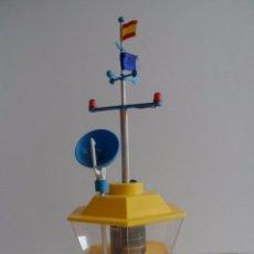 Juguetes antiguos: TORRE DE CONTROL ELÉCTRICA CON LUCES Y MOVIMIENTO DE PLÁSTICO. Lote 246350610