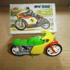 Juguetes antiguos: JUGUETE MARCA LA ILUSION MOTO MV 500. Lote 49397043