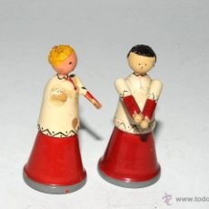 Juguetes antiguos: PAREJA DE MONAGUILLOS MADERA GOULA. Lote 49978866