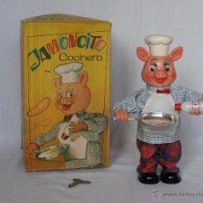 Juguetes antiguos: JAMONCITO COCINERO CUERDA CLIM COMPLETO Y CAJA ORIGINAL IMPECABLE AÑOS 60. Lote 50258427