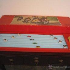 Juguetes antiguos: PISTA DE CARRERAS SELMAC, COMPLETA Y FUNCIONANDO. AÑOS 50. Lote 50315754
