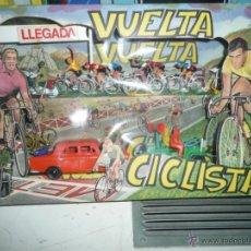 Juguetes antiguos: CAJA VUELTA CICLISTA. Lote 142614365
