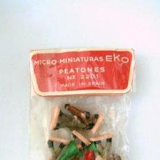 Juguetes antiguos: EKO - BOLSA Nº 2201 PEATONES ORIGINAL AÑOS 70´S - A ESTRENAR. Lote 51474328