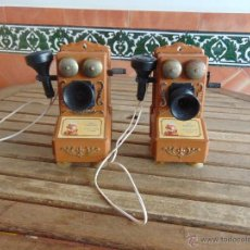 Juguetes antiguos: PAREJA DE TELEFONOS TIPO CENTRALITA DE JUGUETE DE LA MARCA MEHANO MADE IN YUGOSLAVIA 1980. Lote 54202342