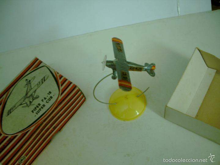 Juguetes antiguos: EKO CAJA ANTIGUA AVION PIPER PA 18 SUPER CUB - Foto 2 - 56866786