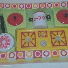 Juguetes antiguos: ANTIGUO JUGUETE ESPAÑOL AÑOS 70 , MADE IN SPAIN , COCINA CHIKY , JUGUETES APUM. Lote 57166376