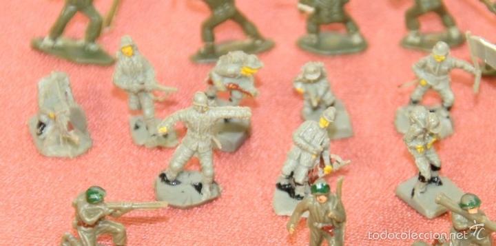 Juguetes antiguos: COLECCIÓN DE 220 MICRO MINIATURAS EN RESINA. EKO. ESPAÑA. CIRCA 1960. - Foto 5 - 58178527