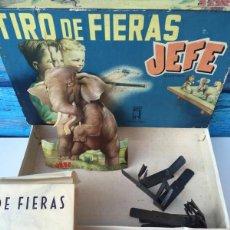 Juguetes antiguos: ANTIGUO JUEGO - TIRO DE FIERAS - JEFE - COMPLETO Y EN SU CAJA ORIGINAL - INCLUYE REVOLVER. Lote 58395600