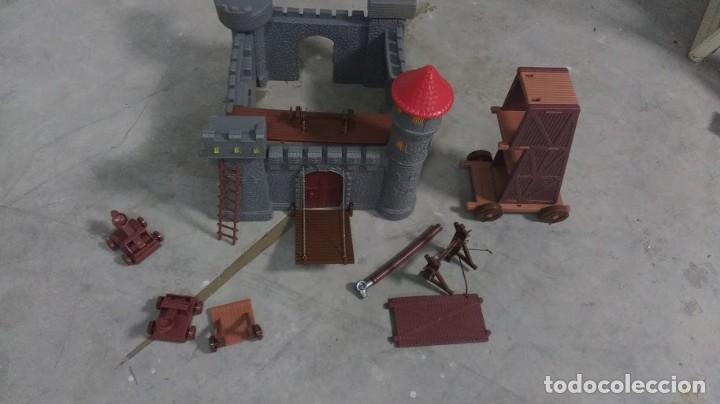 Juguetes antiguos: castillo desmontable - Foto 2 - 64401651