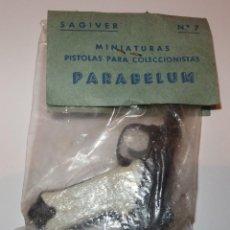 Juguetes antiguos: PISTOLA PARABELUM,SAGIVER,BOLSA ORIGINAL,A ESTRENAR,AÑOS 60,DE JUGUETE. Lote 67361605