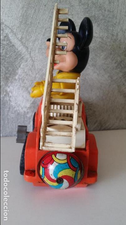 Juguetes antiguos: ANTIGUO COCHE BOMBEROS A CUERDA MICKEY MOUSE ESTRELA S.A. - Foto 6 - 68307389