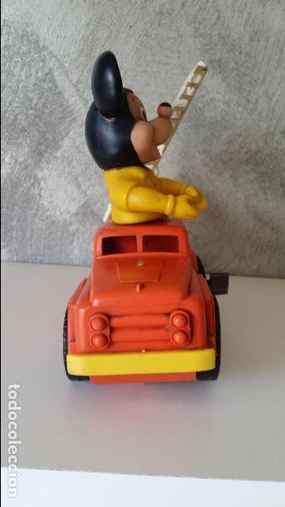 Juguetes antiguos: ANTIGUO COCHE BOMBEROS A CUERDA MICKEY MOUSE ESTRELA S.A. - Foto 8 - 68307389