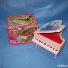 Juguetes antiguos: 18 JUGUETE PIANO JOYERO MUSICAL DE B.G. SIN JUGAR. FUNCIONA. Lote 71731815