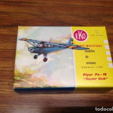 Juguetes antiguos: ANTIGUO AVION MINIATURA ESCALA 1:150 EKO PIPER PA 18 SUPER CLUB EN CAJA ORIGINAL . Lote 74714463