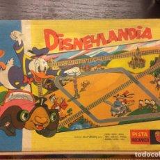 Juguetes antiguos: PISTA MECANICA DISNEYLANDIA, GEYPER, 1965. Lote 75775911