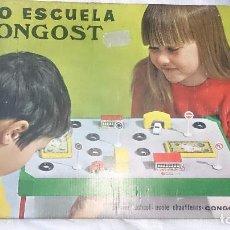 Juguetes antiguos: AUTO ESCUELA DE CONGOST CON DOS SEAT 600. Lote 76979877