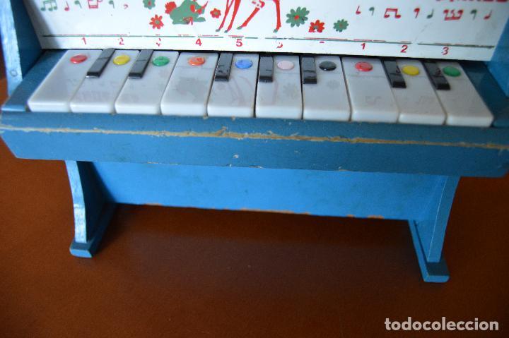 Juguetes antiguos: PIANO DE MADERA ** JUGUETES MEDITERRANEO * AÑOS 70 - Foto 2 - 78155457