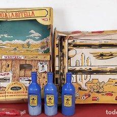 Juguetes antiguos: TIRO A LA BOTELLA. PLASTICO. LANMAM PLASTIC. BARCELONA. CIRCA 1960. NO INCLUYE PISTOLA.. Lote 80210877