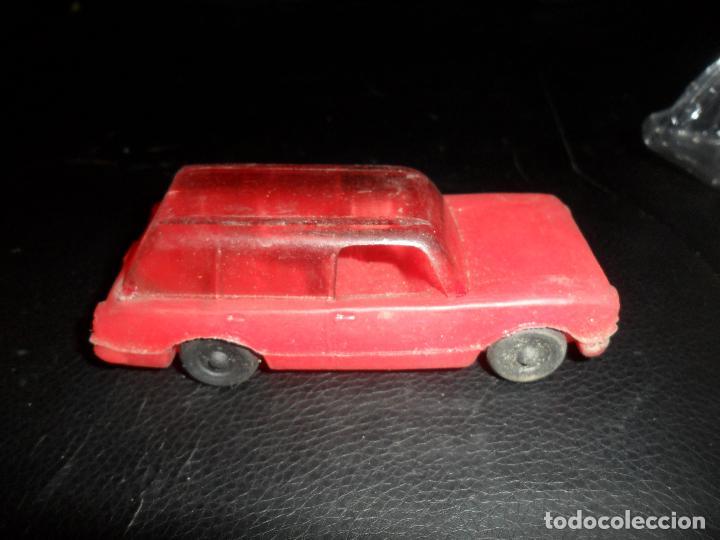 SEAT 124 RANCHERA - COCHE PVC KIOSCO -- 10CM LARGO (Juguetes - Marcas Clasicas - Otras Marcas)